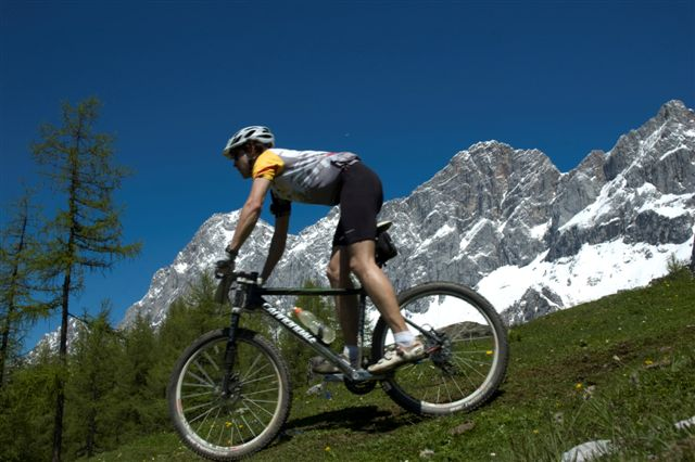 Mountainbike, e-bike in the alps